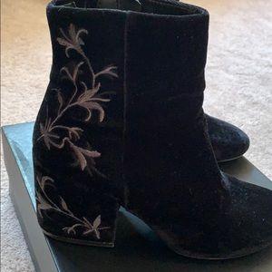 Kenneth Cole Black Velvet Ankle Boot size 8